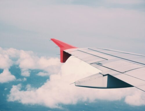 Flug verspätet – Wann muss die Fluggesellschaft zahlen?